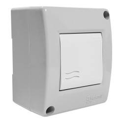Włącznik światła w obudowie IP40