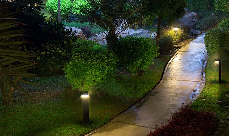 oswietlenie_zewnetrzne_w_ogrodzie_oprawy
